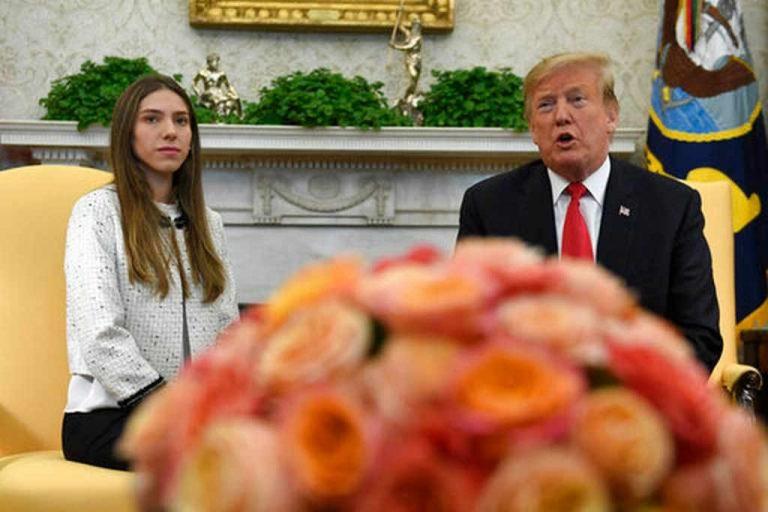 """""""I'll fix it"""" Donald Trump Tells Guaido's Wife"""