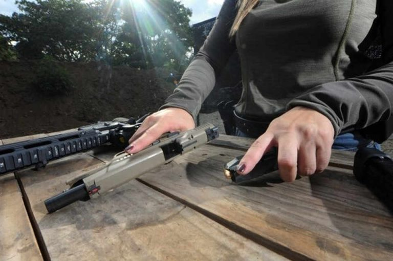 In the country without an army, more and more Ticos seek 'tranquility' in firearms