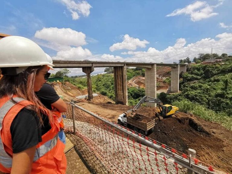 Workers On New 'Saprissa' Bridge To Receive Psychological Training