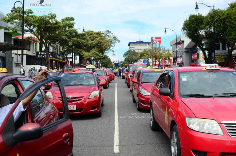 Taxistas To Demonstrate Against Uber Today, Wednesday!