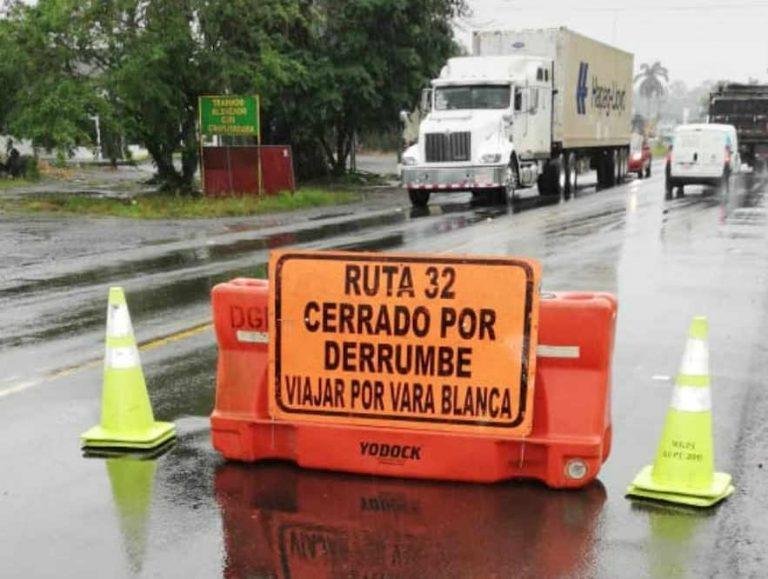 Landslide Forces Total Closure of Ruta 32