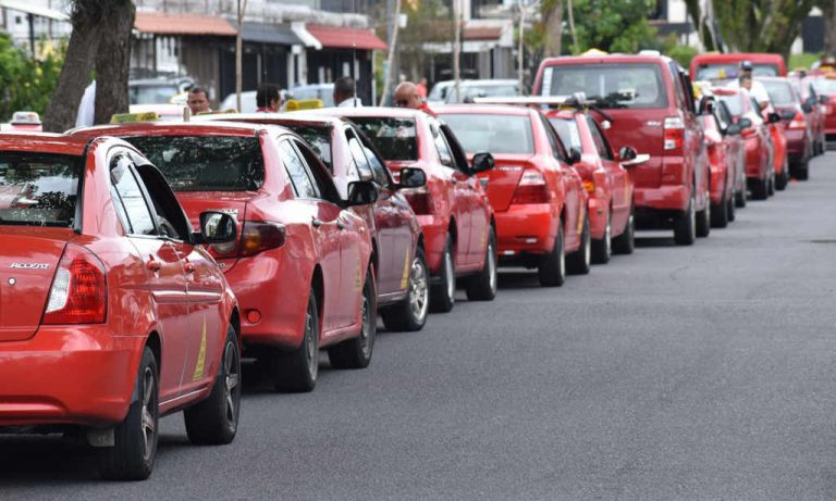 Taxi Drivers Announce A Protest Against Uber. Again.