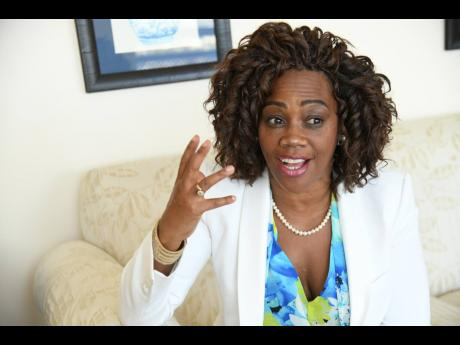 Epsy Campell Visits Jamaica To Strenghten Relations