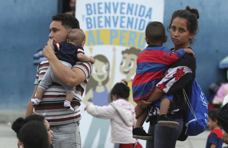 Venezuelan migrants face tougher border policy in Peru