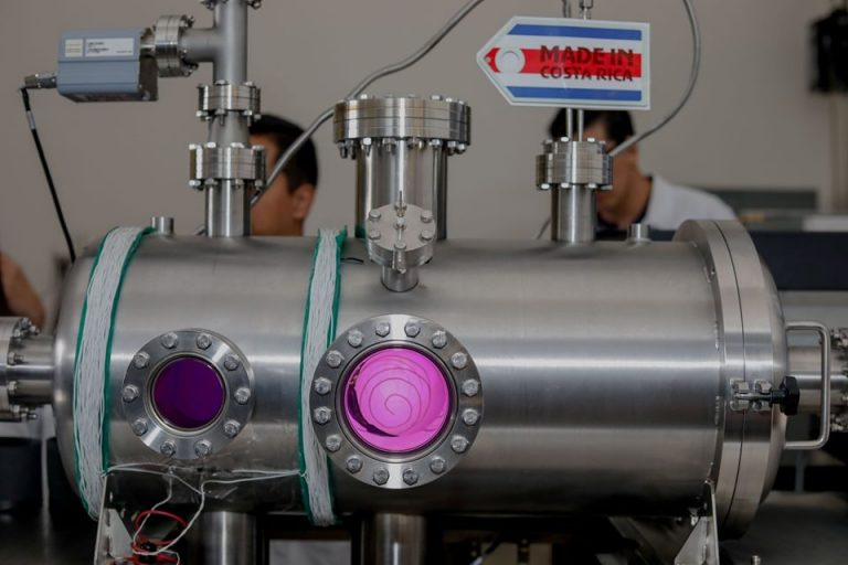 100% Costa Rican plasma research and nuclear fusion laboratory