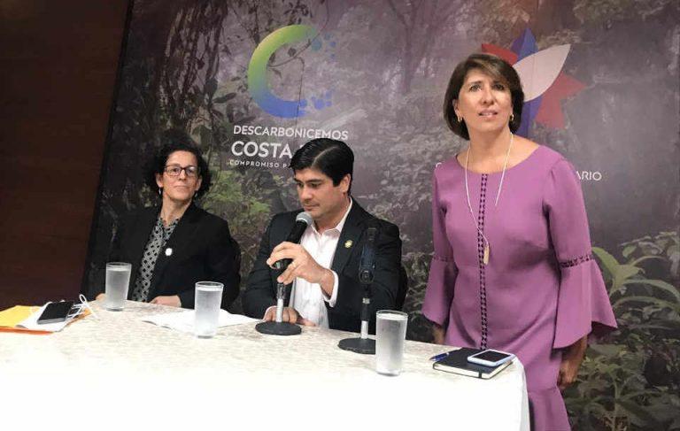 Presidency defends Edna Camacho after raids against Aldesa