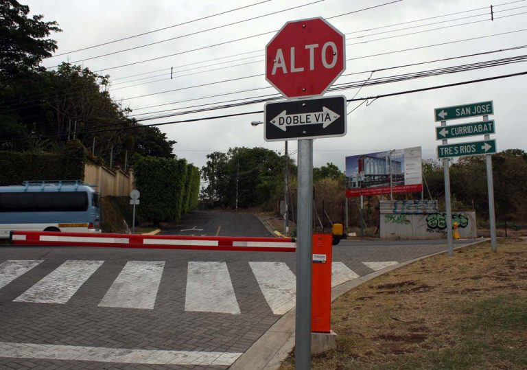 Bizarre traffic laws of Costa Rica and around the world