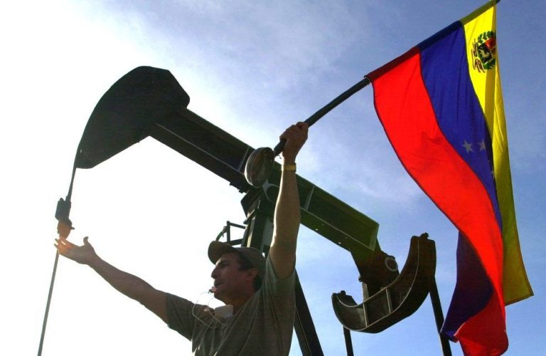 Venezuelan oil exports fall 17% in May