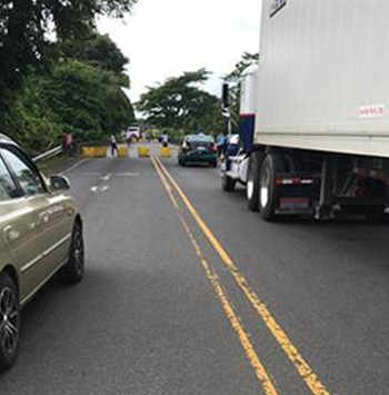 Student demonstrations generate traffic problems in Puntarenas and Ruta 32