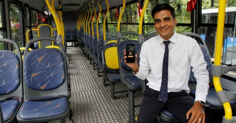 Ads Pay To Bring Free Wi-Fi On Public Buses