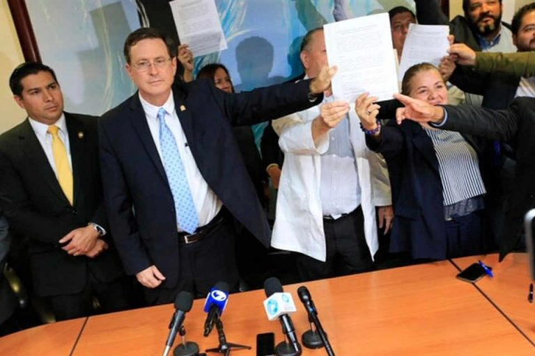 Strike Is Over: Health Workers Retain Bonuses and Annuities While Courts Resolve Conflict
