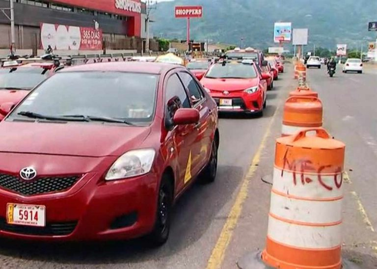 Taxi Drivers At It Again With Blockades This Tuesday