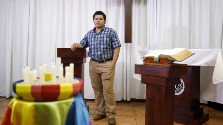 Nicaraguan professionals seek safety in Costa Rica