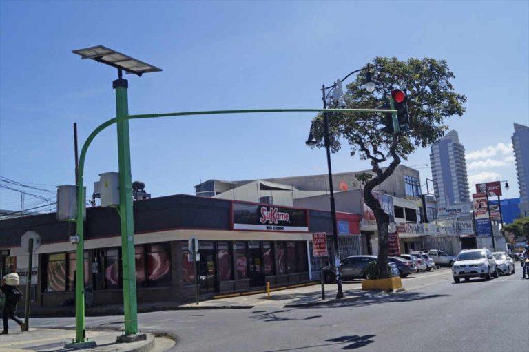 San Jose Metro Area Traffic Lights Go Green