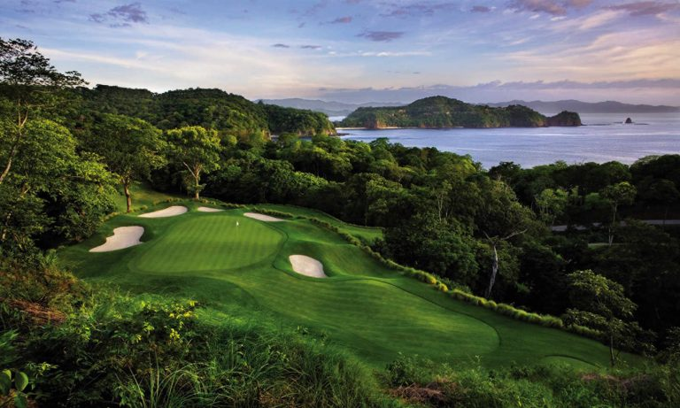 Costa Rica Vacations: Top Greens for Golfers