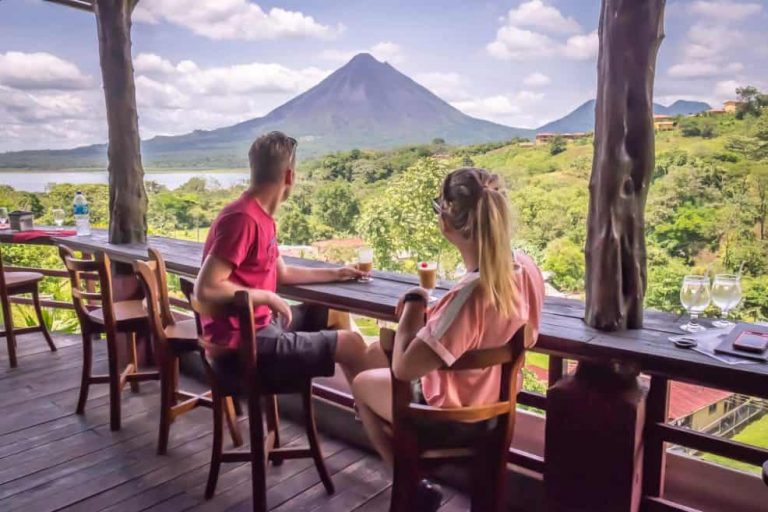 Foreign visitors left 5% more $$ in Costa Rica this year