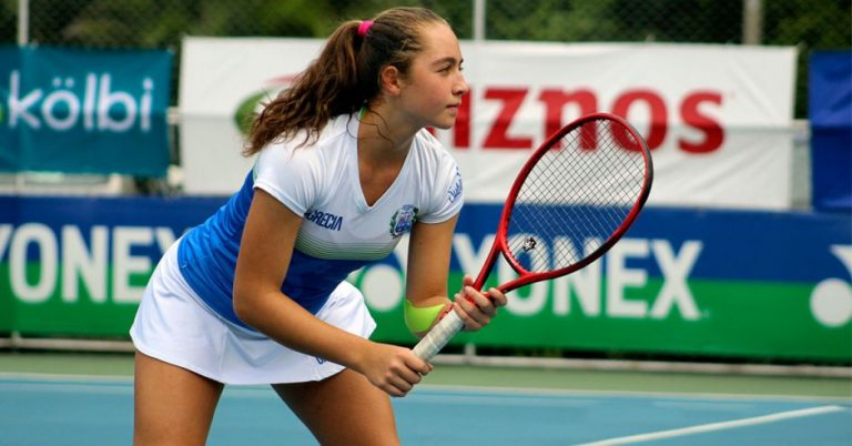 """Youngest Tica in the world tennis ranking: """"I want to play Grand Slams"""""""