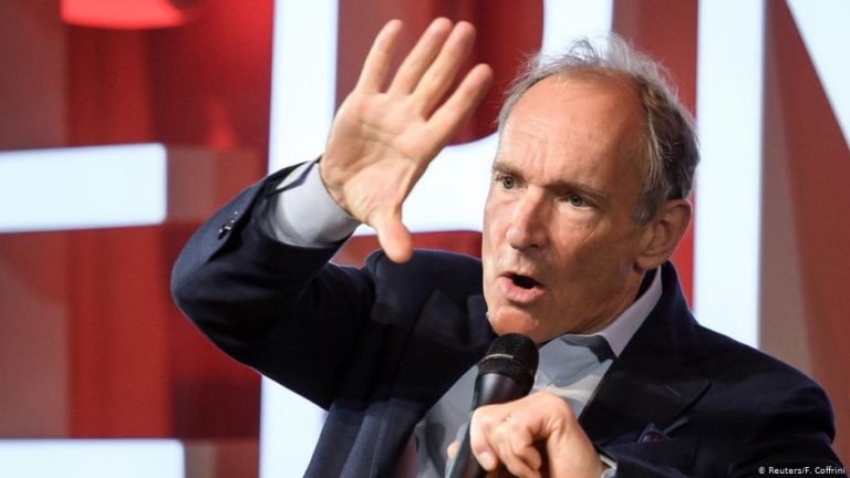 Web inventor Tim Berners-Lee unveils plan to save the internet