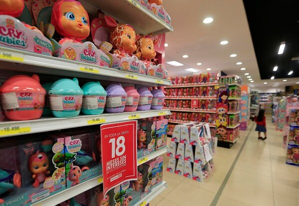 Looking for bargains? Walmart, Universal, Ekono and Gollo open holiday season and easy financing