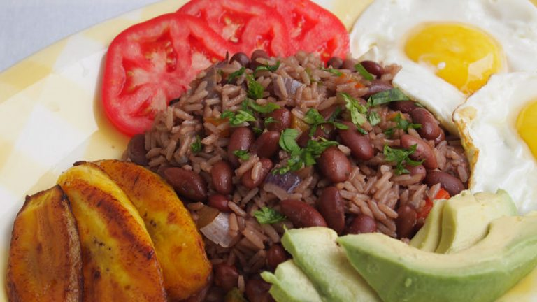 Expats can now learn how to prepare typical Costa Rican cuisine