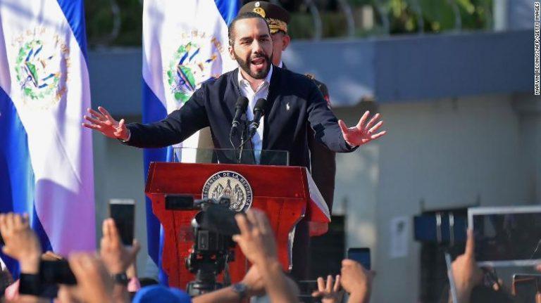 Troops storm El Salvador's parliament