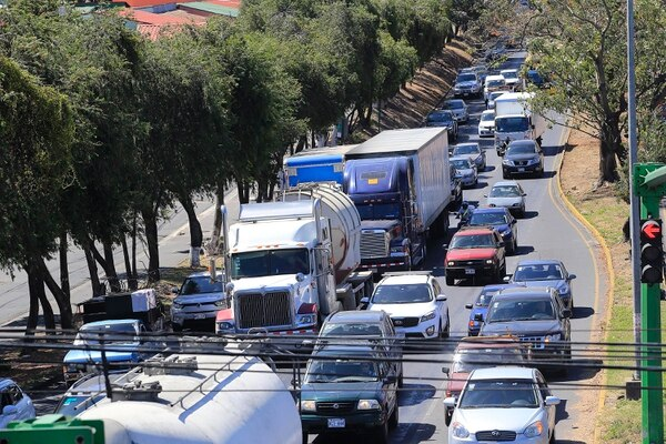 Three companies present offers to build tunnel and eliminate traffic lights of Hatillo 6