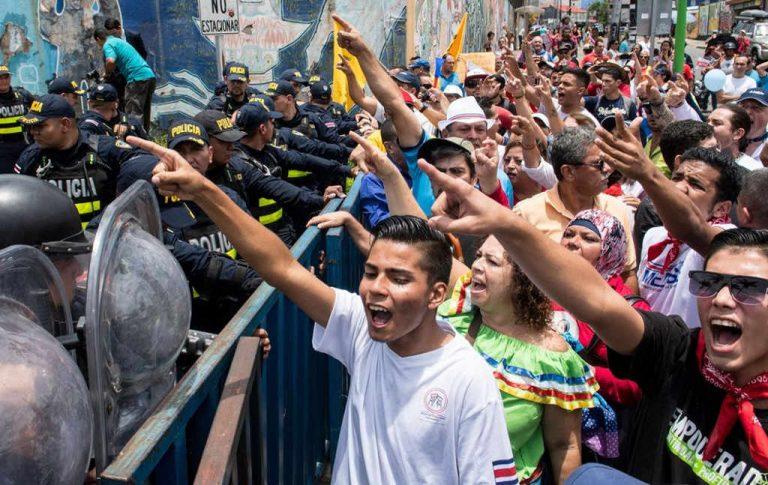 Costa Rica's Finances on Treacherous Terrain