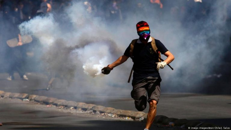 Students protest as Chile marks 30 years of democracy