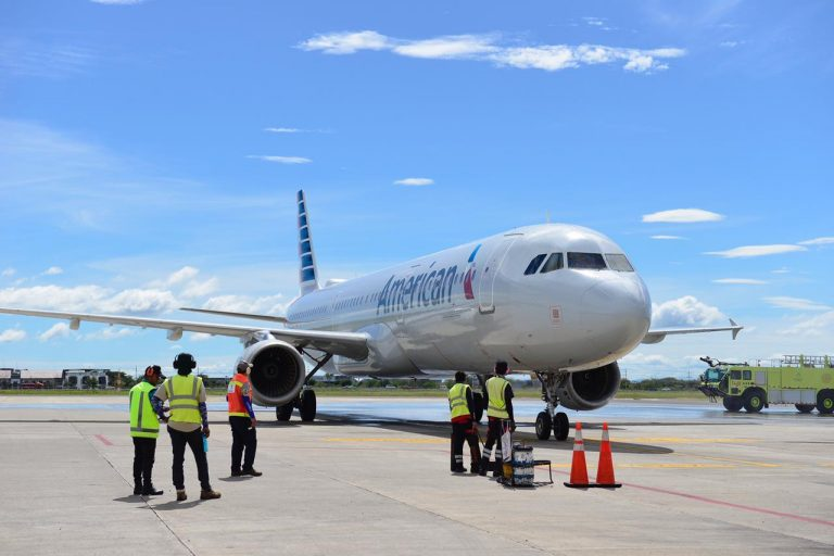 American Airlines includes Costa Rica in its program to facilitate COVID-19 tests to tourists