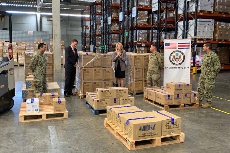 US Embassy Donates Medical Protection Equipment to the Caja