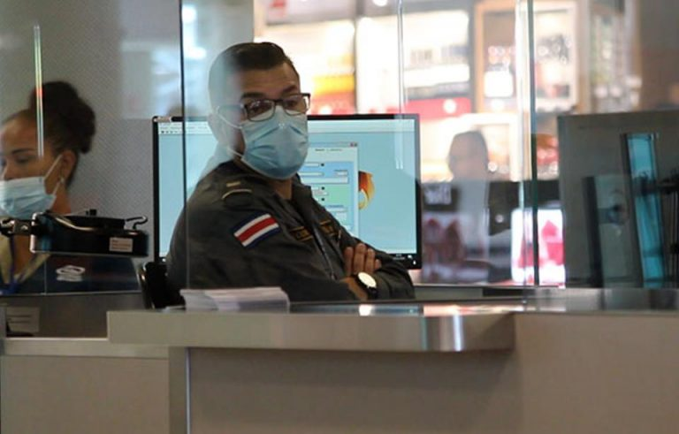 15 Costa Ricans who have arrived by plane tested positive for COVID-19