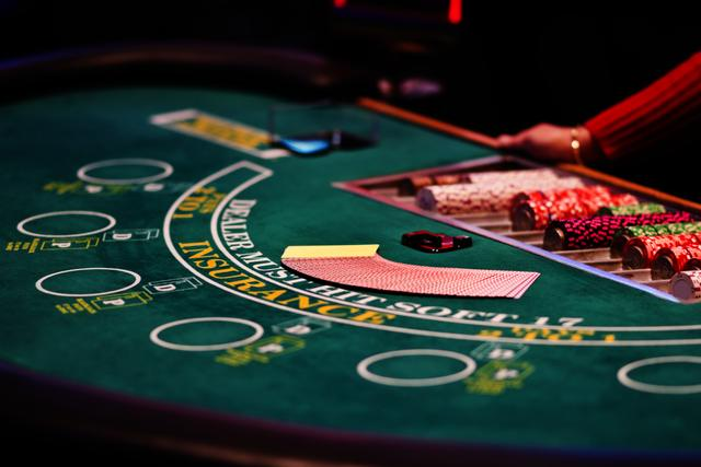 5 ways to keep yourself safe at an online casino