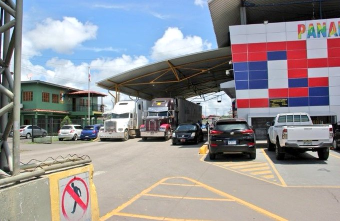 """Panama awaits a """"prompt"""" solution to the Costa Rican blockade in Paso Canoas"""