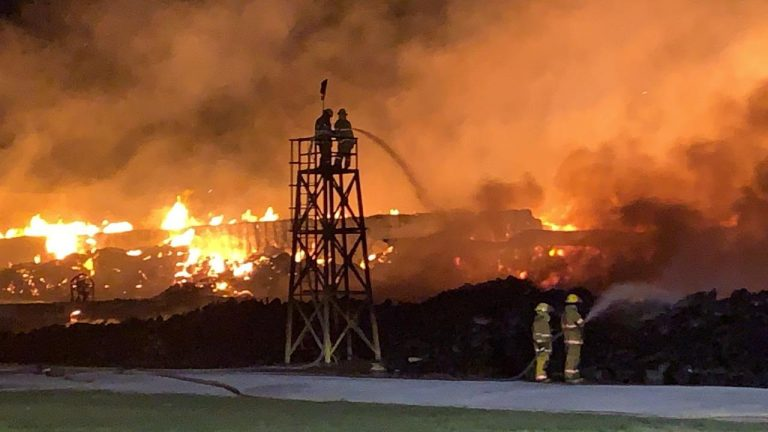 Fire in packaging warehouse in El Coyol de Alajuela largest in the last decade (photos)