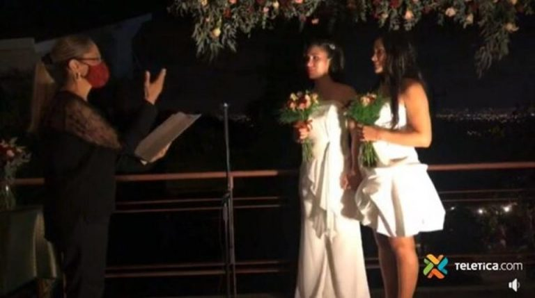 'I Declare You Wife and Wife': Costa Rica Celebrates Its First Equality Marriage