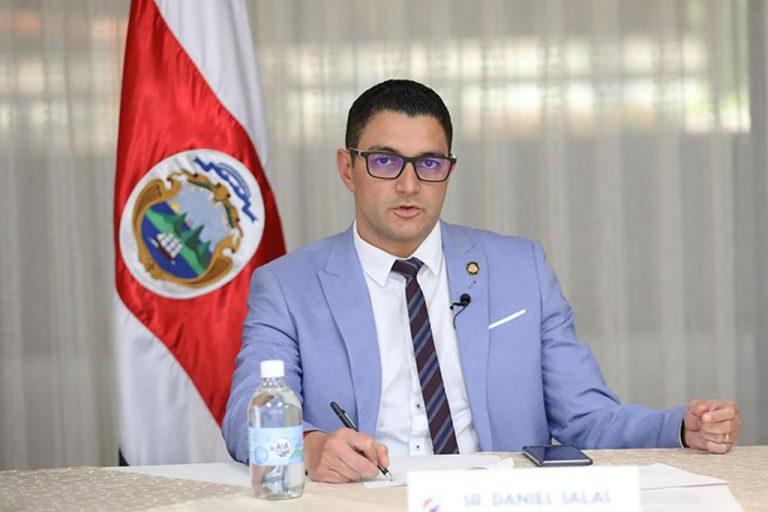 Dr. Daniel Salas, Costa Rica's Heartthrob!
