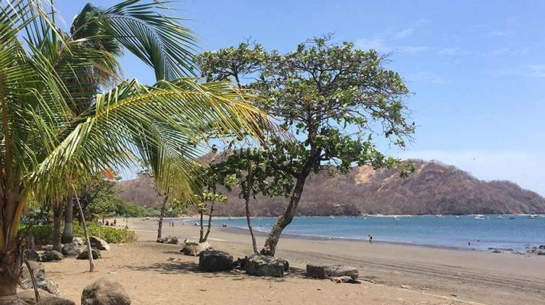 Playas del Coco revives barter as a way of payment amid the pandemic
