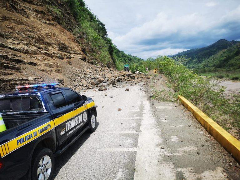 Landslide causes partial road closures in Palmar Norte