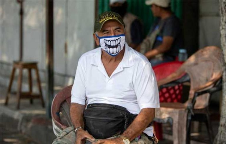 Some Experts Say Face Shields Better Than Masks for Coronavirus Protection