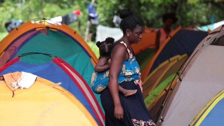 Migrants stuck in Panama demand to continue journey to U.S.