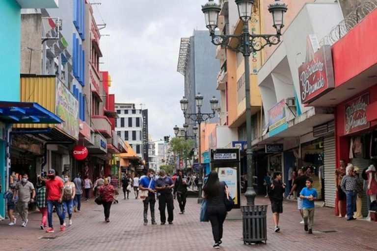 COVID-19 Costa Rica: 68 new cases, malls, services, and beaches with expanded hours