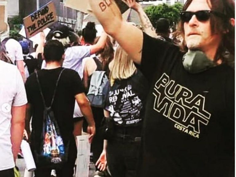 """In a """"Pura Vida"""" shirt, Norman Reedus joins protests over George Floyd's death"""