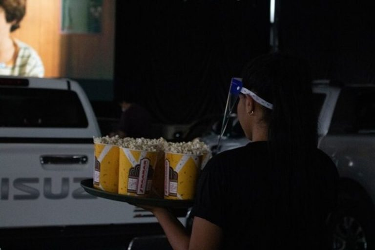 """Pedregal Center unveils """"indoor"""" drive-in movies starting today, Tuesday"""
