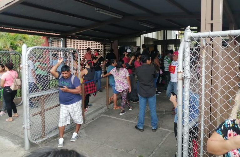 School delivered food without permission and parents crowded outside