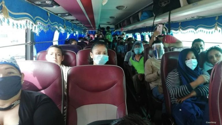 Costa Rica allows passage of Nicaraguans from Panama headed for their home country