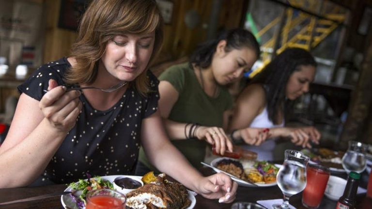 15 Ways to Stay Safe at Restaurants