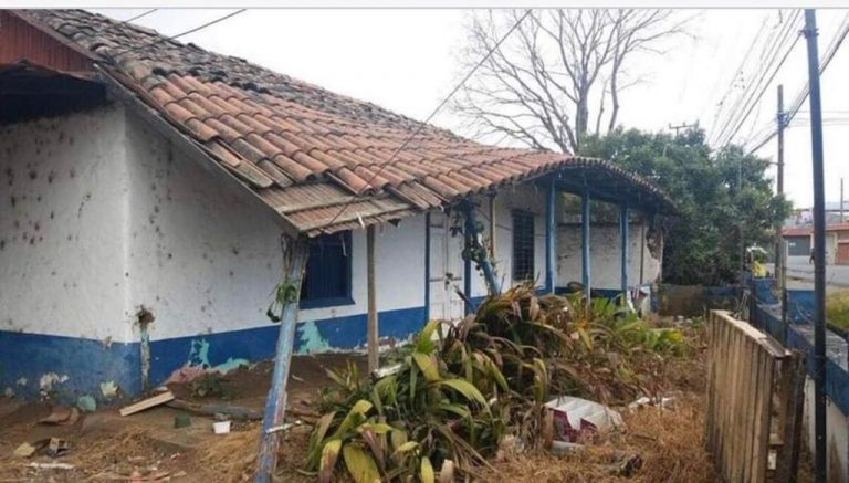 Court orders owners to remodel house built more than 100 years ago in Desamparados