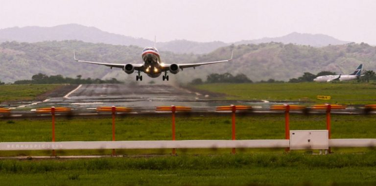 Five US airlines with scheduled flights to Liberia airport after August 1
