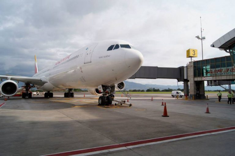Airlines will have 300,000 seats available to travel to Costa Rica in December