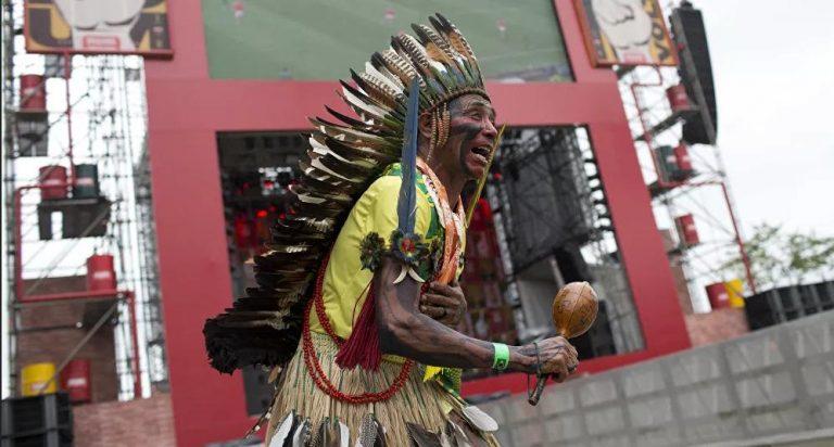 Bolsonaro Gov't Pushing Brazil's Native Peoples to the Edge of Extinction, Indigenous Leader Warns